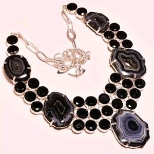 Black onyx & agate slice w/ crystal necklace